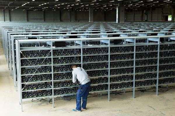 Как с помощью фермы заработать на майнинге биткоинов
