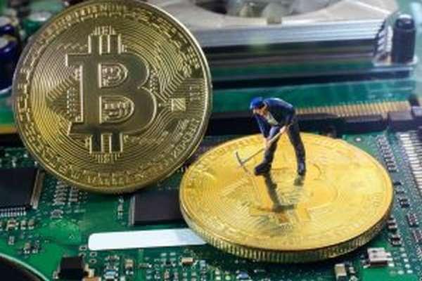 Какие сервисы предлагает индустрия облачного майнинга и можно ли добывать монеты без вложений?